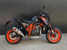 2016 KTM 690 Duke R review - www bikesales com au