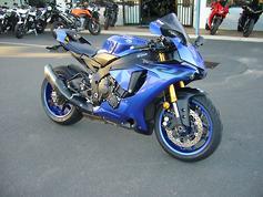 2019 Yamaha YZF-R1: video review - www bikesales com au